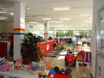ea7af4899d3be Baby Bazar Legnaro  il negozio dell usato per bambini in provincia di Padova